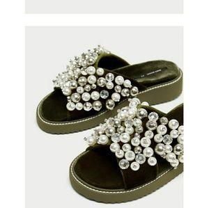 Zara sandal size 8